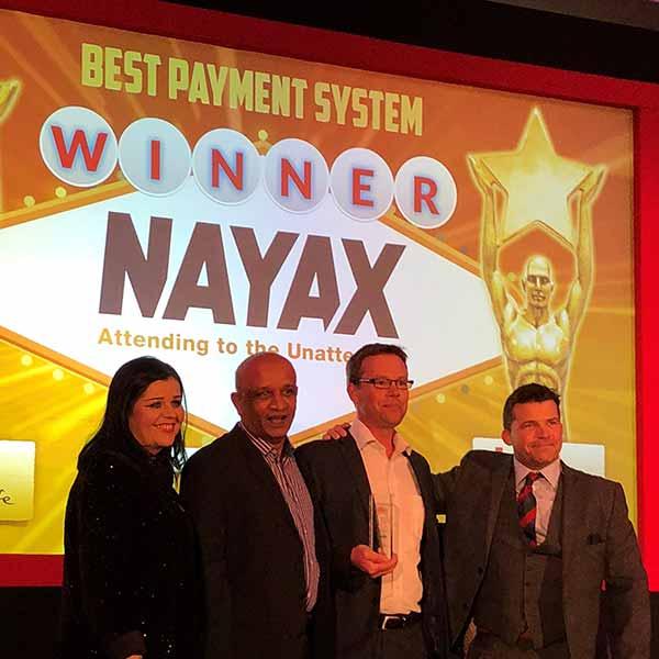 """NAYAX vinner kategorien """"Beste betalingssystem"""" for tredje år på rad under The Vendies i 2018. Foto av vinnerne."""