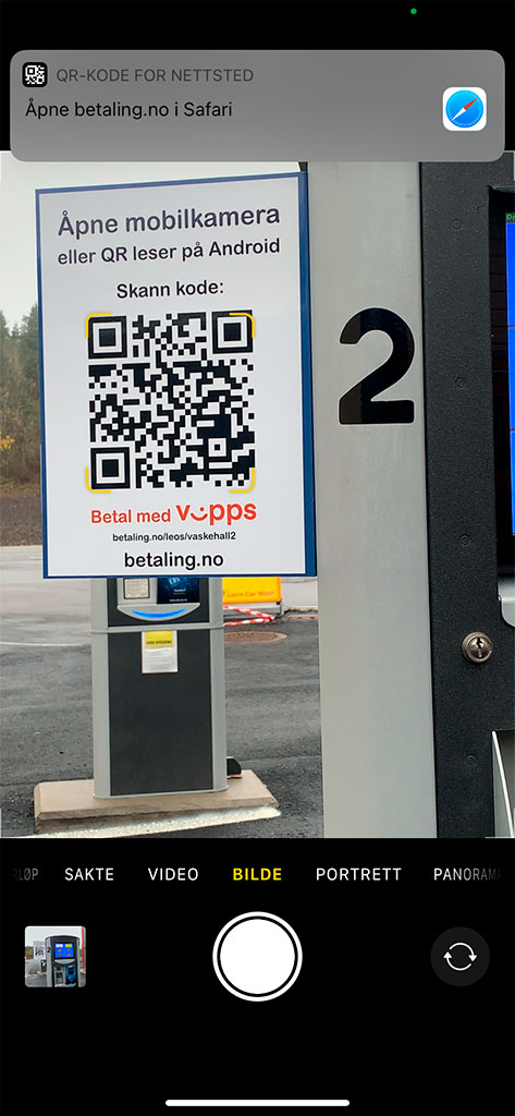 Skjermbilde på mobil som viser at kamerafunksjon skanner QR kode for betaling